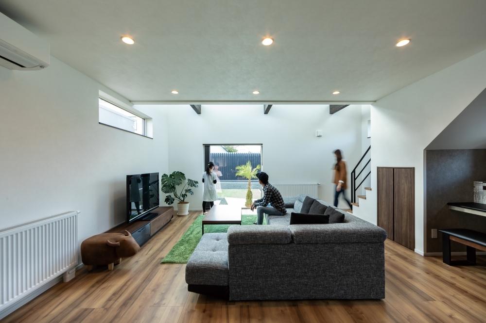 ↑ 「庭とともに暮らす、趣味と遊びを愉しむ家」 -  -  -